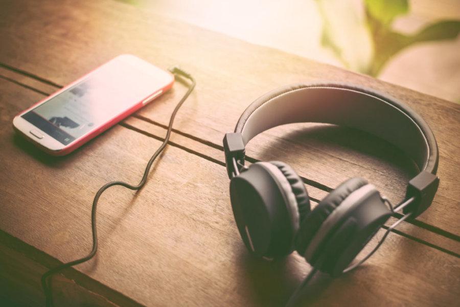 Listen podcasts