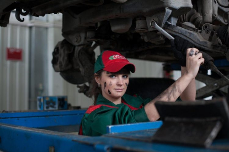 What Should I Expect from a Mazda Service