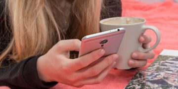 How to Keep Your Phone Costs Low as a Student