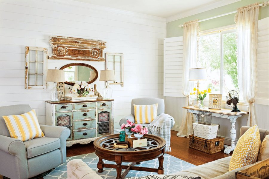Make Your Living Room the Focus for Vintage Furnishings