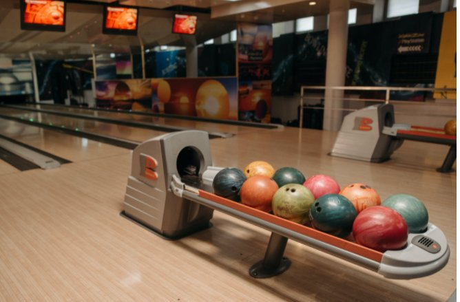 How to choose a local center for bowling
