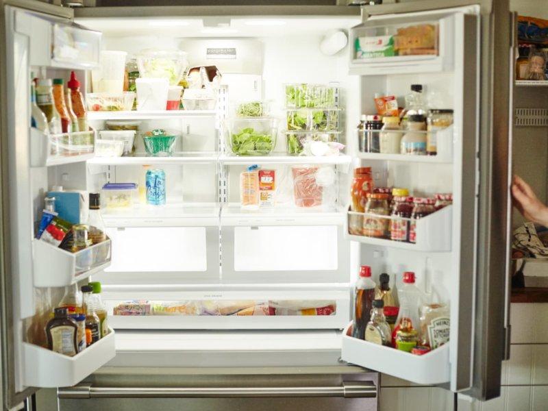 How to Keep the Fridge Clean and Fresh